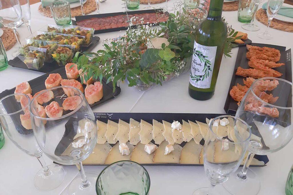 Casament rústic a Els Olivers a Horta de Sant Joan Parc Natural Els Ports decoració MASBA Terra Alta entrants km0