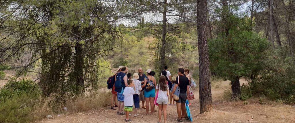 Estiu en família i grups a la casa de colònies Els Olivers de visita al riu les olles al parc natural d'els ports